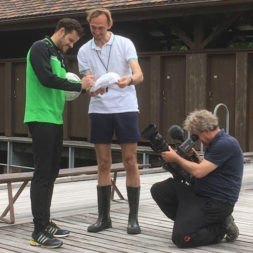 Die beiden Stars des Werbefilms für die «Weiere Sauna»: Fussballer Tranquillo Barnetta und Schauspieler Marcus Schäfer. (Bilder: Barbara Ochsner - 18. Mai 2019)
