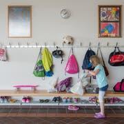 Der erste Schultag: Acht Klassen starten nach den Sommerferien in Gossau ins Schulleben, wie hier im Schulhaus Büel. (Bild: Benjamin Manser)