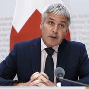 Christian Hofer, neuer Direktor Bundesamt fuer Landwirtschaft, spricht während der Medienkonferenz. (Bild: Peter Klaunzer/Keystone, Bern, 14. August 2019)