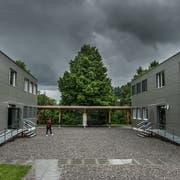 Die Modulbauten auf der Krauerwiese in Kriens. (Bild: Boris Bürgisser; 3. Juni 2016)