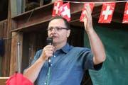 Gemeindepräsident Hans Feuz bei seiner Festrede. (Bild: Barbara Hettich)