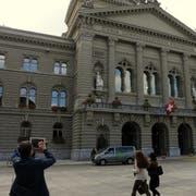 Nicht nur als Touristensujet begehrt: Das Bundeshaus in Bern. (Bild Markus von Rotz, 24. September 2015)