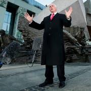 US-Vizepräsident Mike Pence während seiner Rede vor dem Denkmal des Warschauer Aufstandes. (Bild: Michael Sohn/AP (14. Februar 2019))