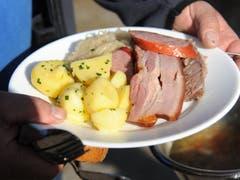 Das ‹Ordinäri› besteht aus Suppe, viel Fleisch, Sauerkraut und Kartoffeln. (Bild: Urs Hanhart, 7. November 2018)