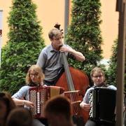 Volksmusikfestival Altdorf: Auf der «Stubetä»-Bühne Schützenmatt traten im vergangenen Jahr auch Nachwuchsformationen auf. (Bild: Urs Hanhart, Altdorf, 19. Mai 2018)