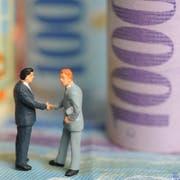 Themenbild, Illustration zu GELD, FINANZEN, STEUERN, SPAREN, BANK, VERDIENENFotografiert am 13. Januar 2009 in Luzern.(NeueLZ/Manuela Jans)