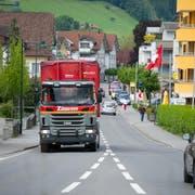 Auf der Brünigstrasse in Alpnach soll inskünftig Tempo 30 gelten. (Bild: Corinne Glanzmann (24. Mai 2016))