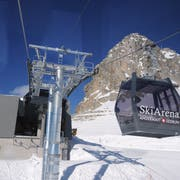Die Bergstation der neuen Schneehüenerstock-Gondelbahn in der Skiarena Andermatt-Sedrun. (Bild: Urs Hanhart, Andermatt, 14. Dezember 2018)