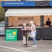 Wegen einer Reklamation musste die Metzgerei Bechinger 2018 ihr Logo am Standdach abdecken. (Bild: Urs Bucher, 18. Oktober 2018)