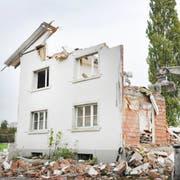 Die Häuser an der Thurfeldsiedlung befinden sich bereits im Abbruch. Über die Volksinitiativen zum Schutz der Siedlung wird erst am 25. November abgestimmt. (Bild: Sabrina Bächi)