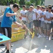 Für einmal durften die Schülerinnen und Schüler auf die Baustelle. (Bild: Sabine Camedda)