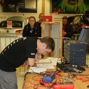 Damian Schmid ist fokussiert auf seine Aufgabe und lässt sich durch niemanden ablenken. (Bild: PD)