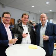 Die drei Kandidaten David Oehler, Victor Haag und Thomas Ochs bei der Bekanntgabe der Wahlresultate im Amliker Gemeindehaus. (Bild: Desriée Müller)