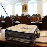 Dicke Akten hatte der Kantonsrat am Montag an einer ausserordentlichen Sitzung zu behandeln. (Symbolbild Markus von Rotz)