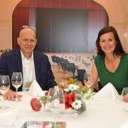 Thomas Dittrich, Direktor Palace Engelberg Titlis (links) und Susanne Calligaris, Geschäftsführerin Kursaal Engelberg AG, an ihrem Iheimisch-Stand. (Bild: Matthias Piazza, Buochs, 31. Mai 2019)
