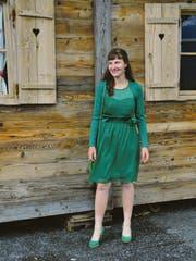 Meisterlandwirtin Nadine Hürzler hat sich in Grabs, fernab ihrer Heimat, ein neues Leben aufgebaut. Sie zieht in Betracht, für die Übernahme des elterlichen Betriebs wieder zurückzukehren.Bild: Nadine Baumgartner