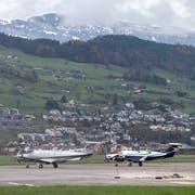 Der Flugplatz Buochs: Nicht alle Anwohner sind glücklich über die Aktivitäten auf den Flugplatz. (Bild: Alexandra Wey/keystone)