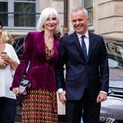 Sie lieben es luxuriös: François de Rugy und seine Frau Severine Servad. (Bild: Christophe Petit Tesson/EPA, Paris, 4. September 2018)