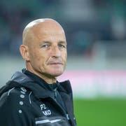 Plötzlich läuft es nicht mehr: St.Gallen-Trainer Peter Zeidler. (Bild: Urs Bucher)