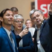 Franz Grüter (rechts, in der Mitte SVP-Präsidentin Angela Lüthold, links Parteivize Oliver Imfeld) zieht es vom National- in den Ständerat. (Bild: Philipp Schmidli, Luzern, 31. März 2019)