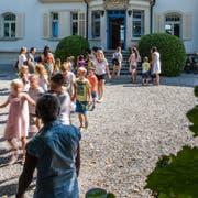 Die Villa Krämerstein ist für ein Jahr das Schulhaus der Kastanienbaumer Primarschüler. (Bild: Roger Grütter (Horw, 20. August 2018))