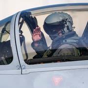 Ein Eurofighter-Pilot anlässlich der Flugshow in Payerne. (Bild: Christophe Bott/Keystone)