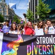 """Der grösste LGBTQ-Anlass in der Schweiz lief in diesem Jahr unter dem Motto """"Strong in Diversity"""". (Bild: Keystone)"""