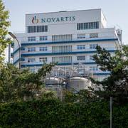Novartis hat im zweiten Quartal bei den Umsätzen erneut von seinen Zugpferden profitiert: Etwa dem Herzmittel Entresto und dem Schuppenflechtemittel Cosentyx. (Bild: Georgios Kefalas / Keystone)