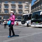 Vor allem in den Geschäften rund um den Schwanenplatz sorgen die Tagestouristen für Wertschöpfung. (Bild: Eveline Beerkircher (Luzern, 20. Juni 2018))
