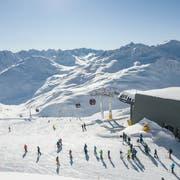 Die Skiarena Andermatt-Sedrun, im Bild die Anlagen am Schneehüenderstock, wird von der Andermatt-Sedrun Sport AG betrieben. (Bild: ASA/Valentin Luthiger)
