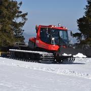 Der Pistenbully 100 bei seiner ersten Testfahrt im Skigebiet Malbun. (Bilder: Heini Schwendener)