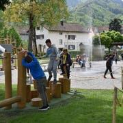 Buchs ist nach Basel und Bühler erst der dritte «Hopp-la»-Generationen-Spielplatz, an dem von Kursleitern Aktivitäten angeboten werden.