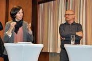 Kantonsrätin Bettina Surber (SP) und Kantonsrat Thomas Schwager (Grüne) standen bei der Podiumsdiskussion auf der Seite der Befürworter der Zersiedelungsinitiative. (Bild: Sabine Camedda)