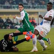 St. Gallens Jordi Quintillà (Mitte) kehrt gegen den FC Zürich ins Team zurück. (Bild: Andy Müller/Freshfocus)
