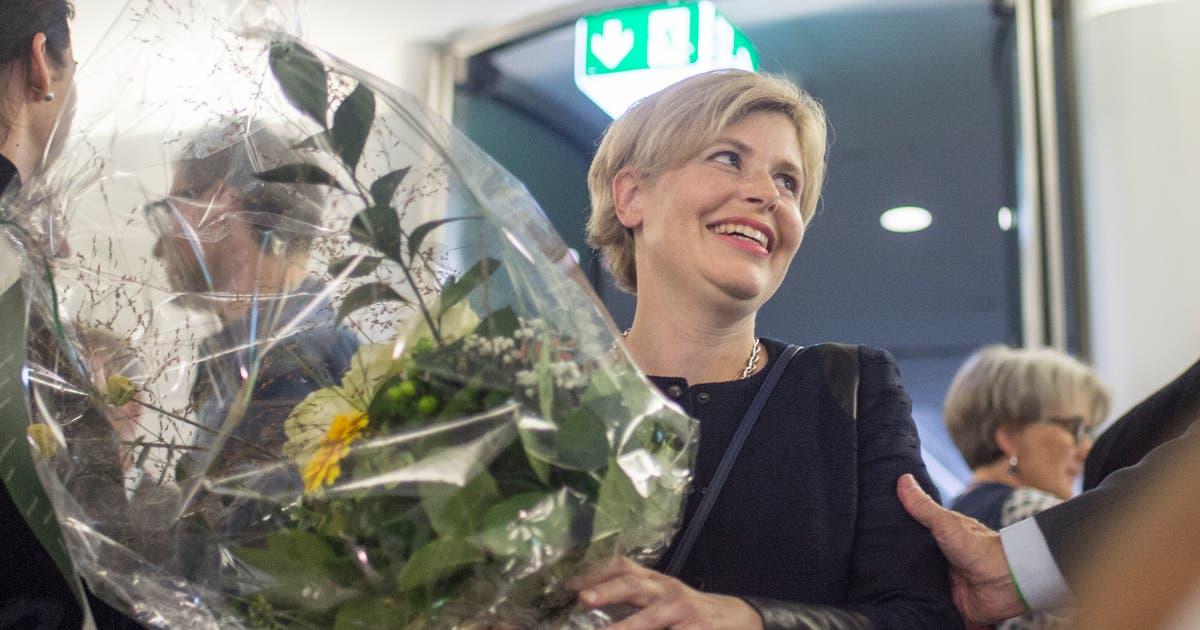 In den Nationalrat gewählt: St.Galler SVP-Politikerin Esther Friedli tritt aus dem Schatten von Lebenspartner Toni Brunner   St.Galler Tagblatt