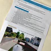 Heute wurde nebst dem Gemeindeblatt ein Flugblatt des Ad-hoc-Komitee zur Rettung des Dorfbachs in die Haushalte der Gemeinde verteilt. (Bild: Andrea Häusler)