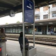 Am Bahnhof Wil darf nur noch in gewissen Zonen geraucht werden. (Bild: Gianni Amstutz)