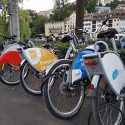 Der Kasernenplatz ist einer der Nextbike-Standorte in Luzern. (Bild: Matthias Piazza, 19. Juni 2018)