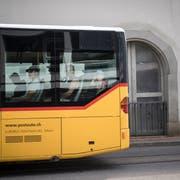 Wegen der Engagements von Postauto im Ausland werden weitere Millionenschäden für den Steuerzahler befürchtet. (Bild: Benjamin Manser)