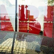 Eine Managerin von ABB steht in Bellinzona vor Bundesstrafgericht. Der Verdacht: Wirtschaftsspionage. (Bild:Ennio Leanza/Keystone)