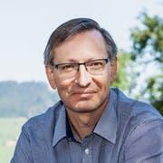 Ab Samstag regelmässig im SRF zu sehen: Der Entlebucher Pfarreileiter Urs Corradini. (Bild: SRF/Merly Knörle)