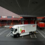 Seit 2015 sind beim Bäckereien-Zulieferer Pistor Elektro-LKW im Einsatz. Andere Transportunternehmen setzen hingegen auf Wasserstoff oder Gas. (Bild: Eveline Beerkircher, Rothenburg, 25. Juni 2015)