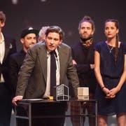 Marius Bear bedankt sich für die Auszeichnung als «Best Talent». (Bild: Keystone)