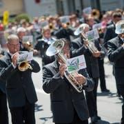 Der Luzerner Kantonal-Musiktag fand 2017 in Schüpfheim statt. Auf dem Bild zu sehen ist die MG Hohenrain während der Parademusik durch das Dorf. Das Bild entstand am Sonntag, 28. Mai 2017. Bild: (Pius Amrein / Neue LZ)