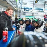 Nachwuchschefin Andrea Kröni coacht die Jungen. Hier während der Trainingswoche in Kooperation mit dem SC Weinfelden. (Bild: Andrea Stalder)