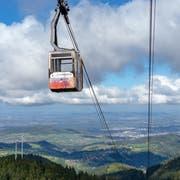 Die Schauinslandbahn bringt einen rasch auf Freiburgs Hausberg, wo aussichtsreiche Wanderwege locken. (Bild: FWTM-Antal)