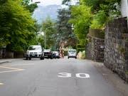 Die Steinhofstrasse in der Stadt Luzern ist seit Jahren eine 30er-Zone. Bild: Manuela Jans-Koch (Luzern, 30.Juli 2013)