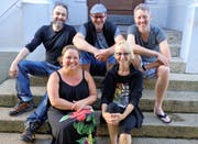 Das OK (von links): Peter Baggenstos, Karin Omlin, Roli Küffer, Bettina Küffer, Markus Qsi Felber. (Bild PD)