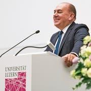 Der UBS-Verwaltungsratspräsident Axel Weber am Dienstagabend an der Wirtschaftswissenschaftlichen Fakultät der Universität Luzern. (Bild: Roger Grüter)