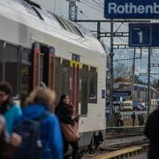 Am Bahnhof Rothenburg Station soll der Regioexpress künftig halten (Bild), in Rothenburg Dorf nicht. (Bild: Nadia Schärli, Rothenburg, 9. November 2016)